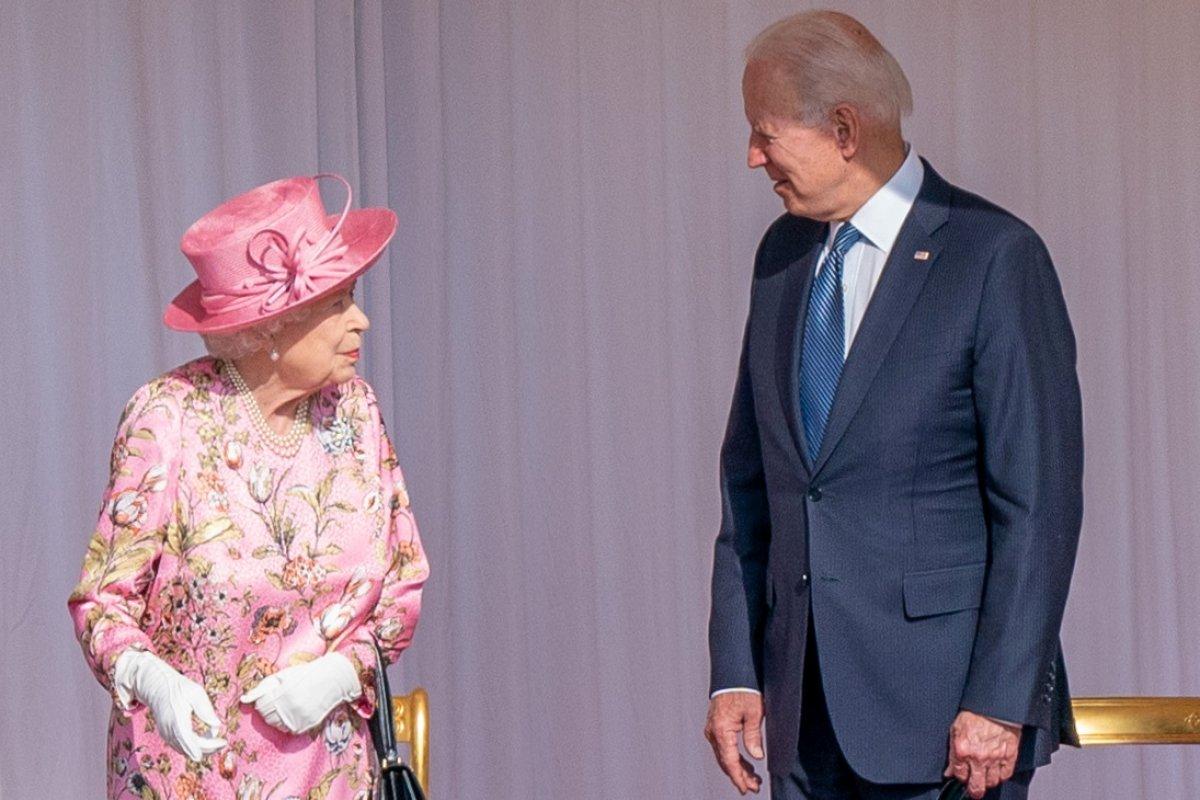 Joe Biden, İngiltere Kraliçesi II.Elizabeth ile bir araya geldi #1