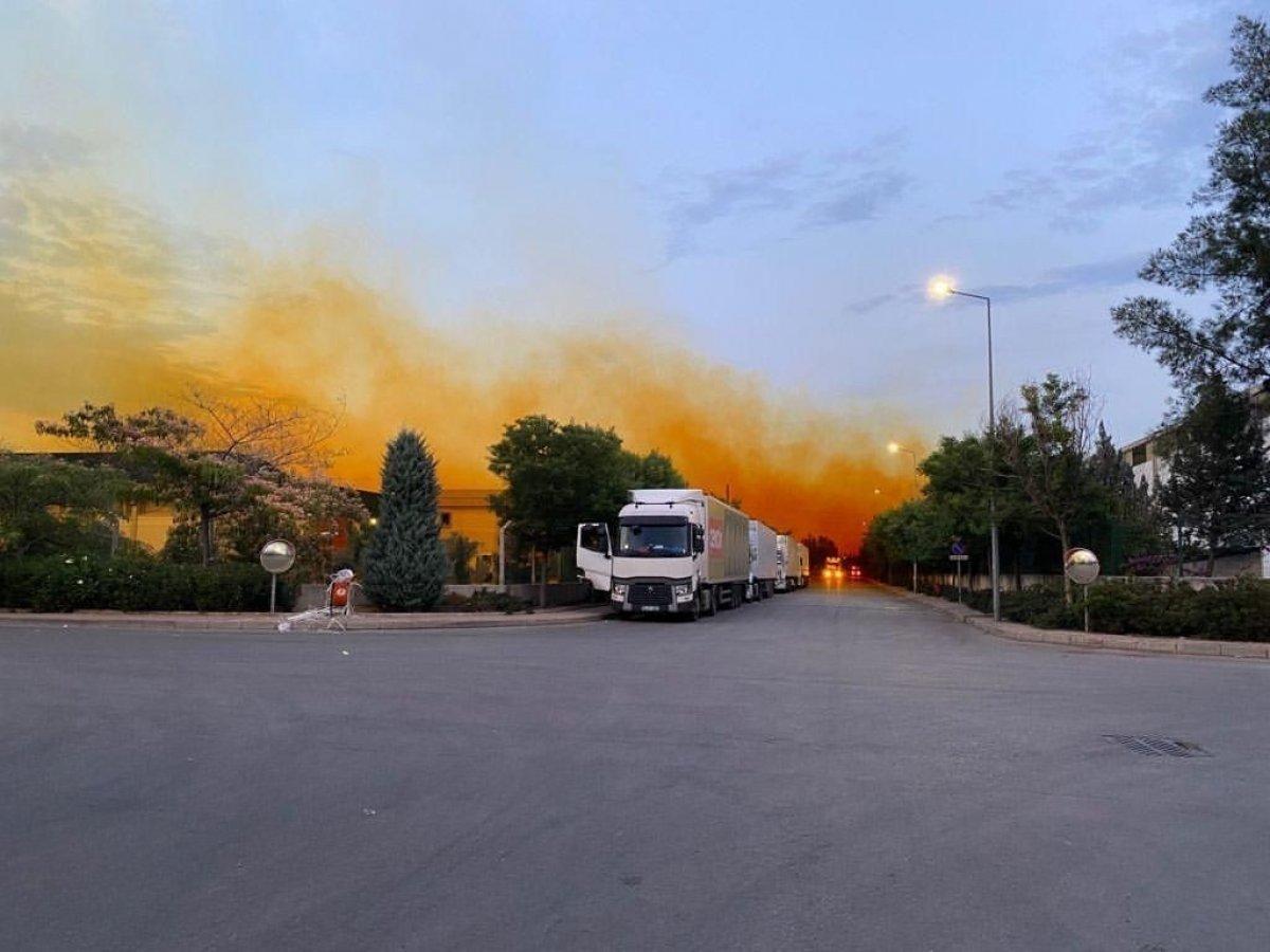 Antalya da fabrikadan sızan nitrik asit gökyüzünü turuncuya boyadı #2