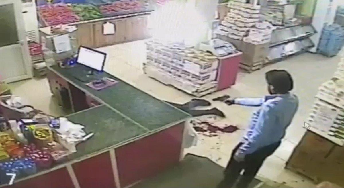 Konya da market sahibinin öldürülmesi güvenlik kamerasında #1