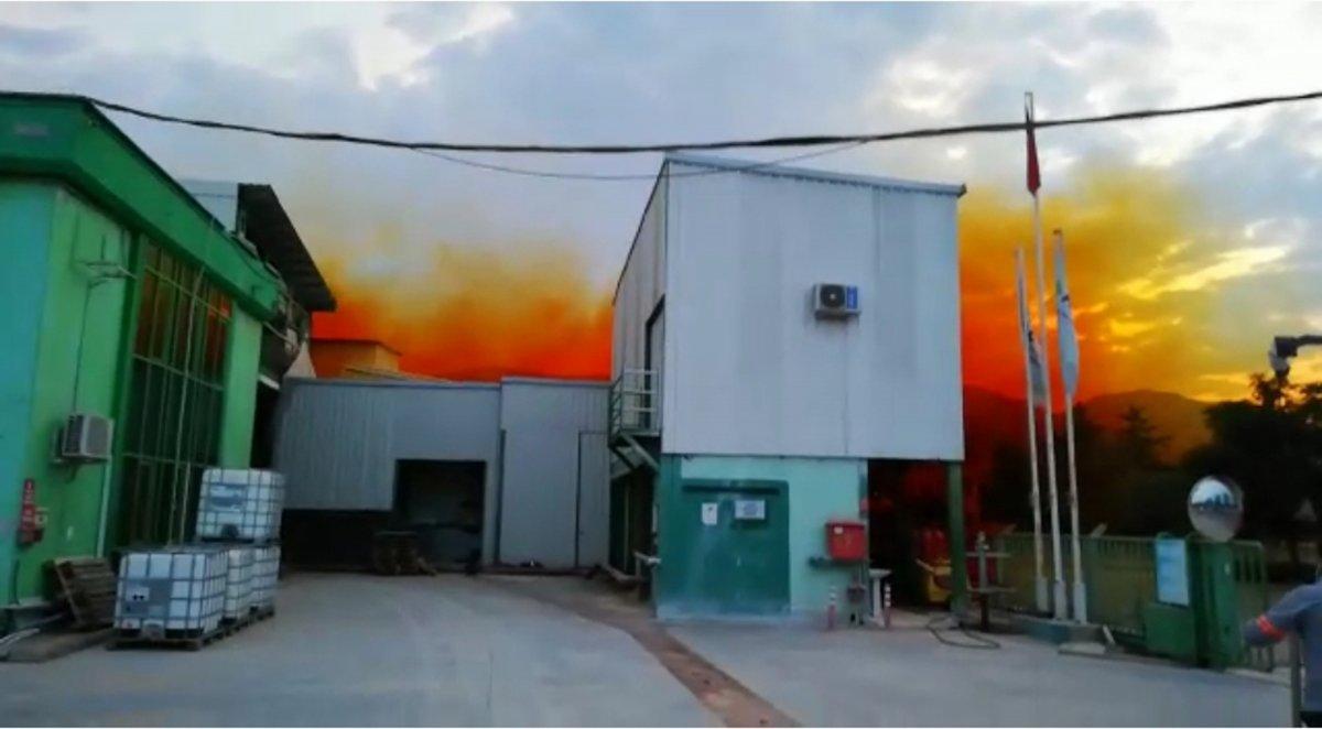 Antalya da fabrikadan sızan nitrik asit gökyüzünü turuncuya boyadı #3