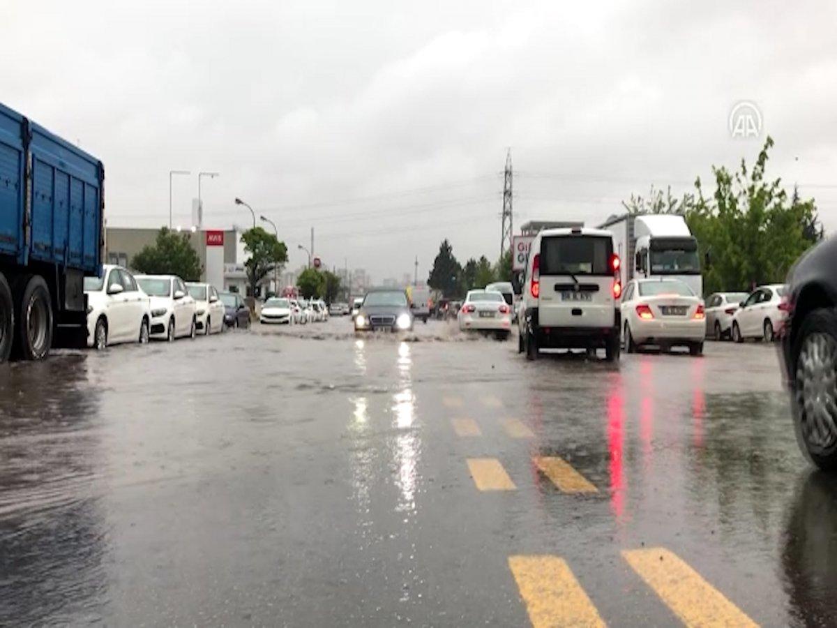 Ankara da sel sonrası araçlar su altında kaldı #4