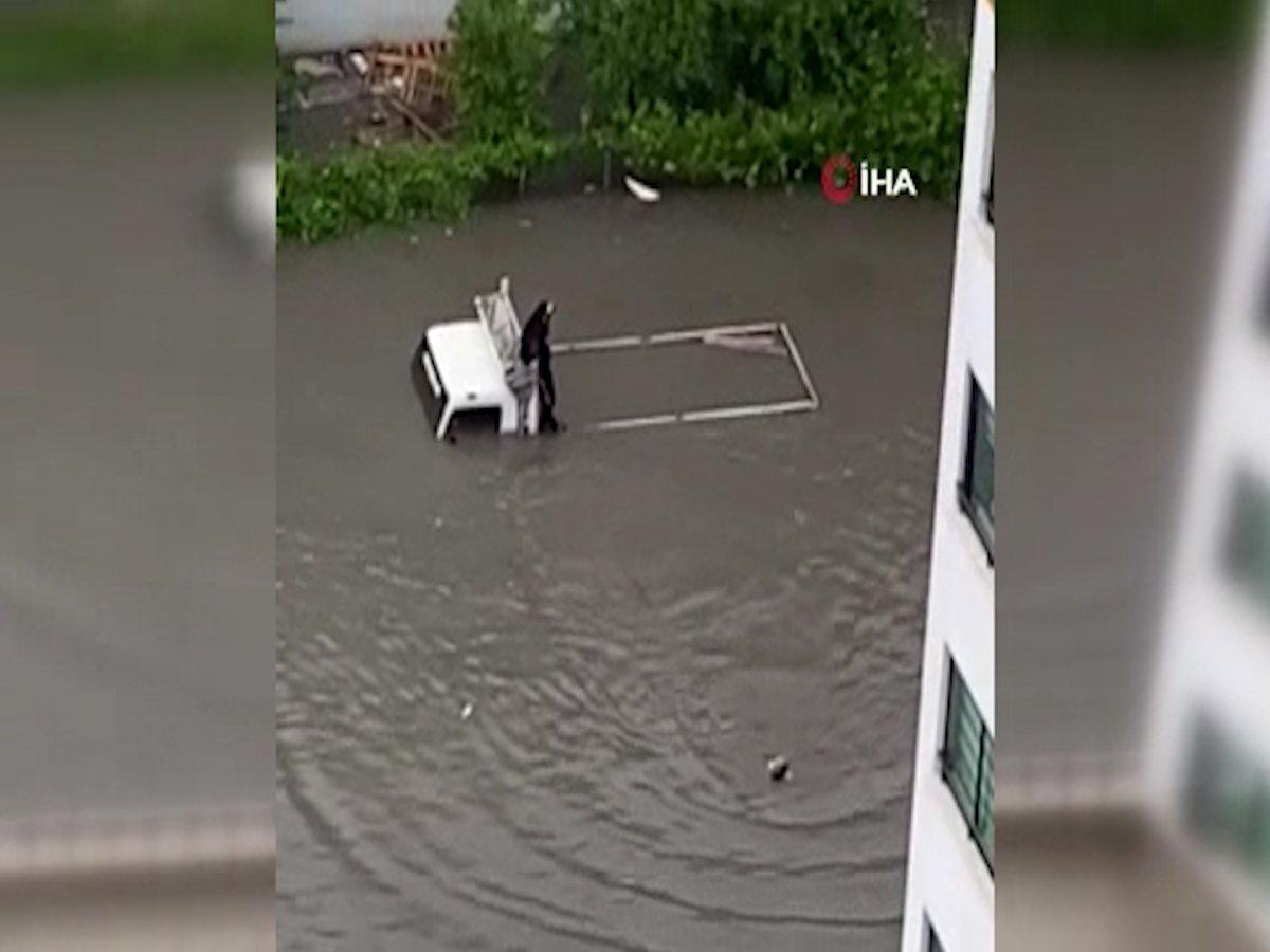 Ankara da sel sonrası araçlar su altında kaldı #2