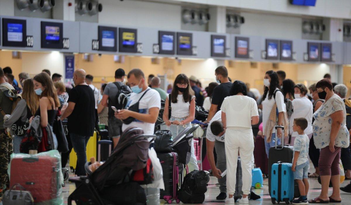 Antalya da hava yolu trafiği haziranda hareketlendi #3