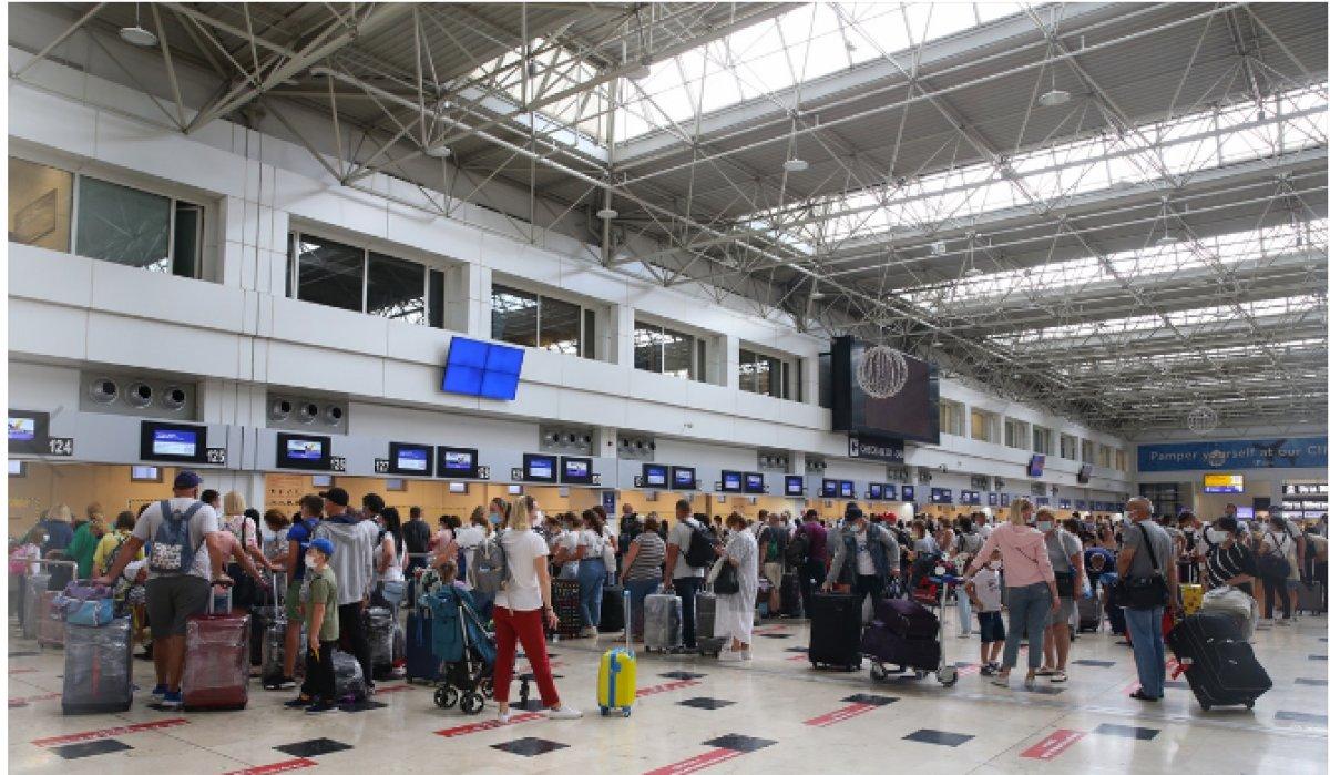 Antalya da hava yolu trafiği haziranda hareketlendi #1