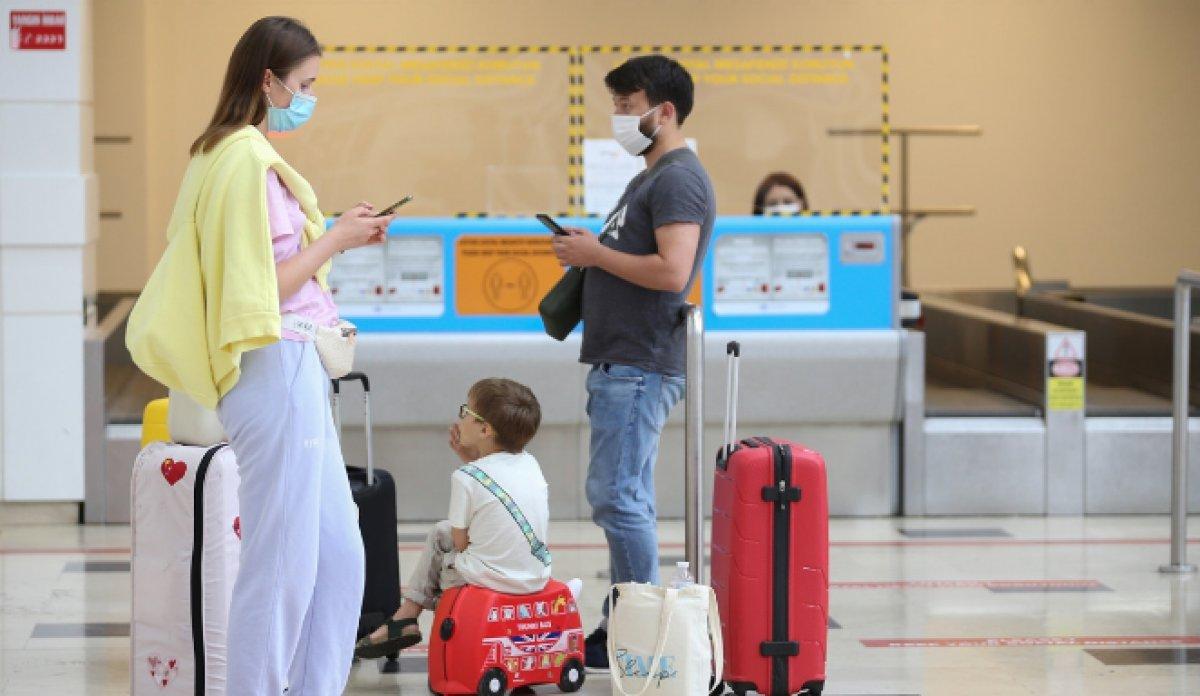 Antalya da hava yolu trafiği haziranda hareketlendi #5