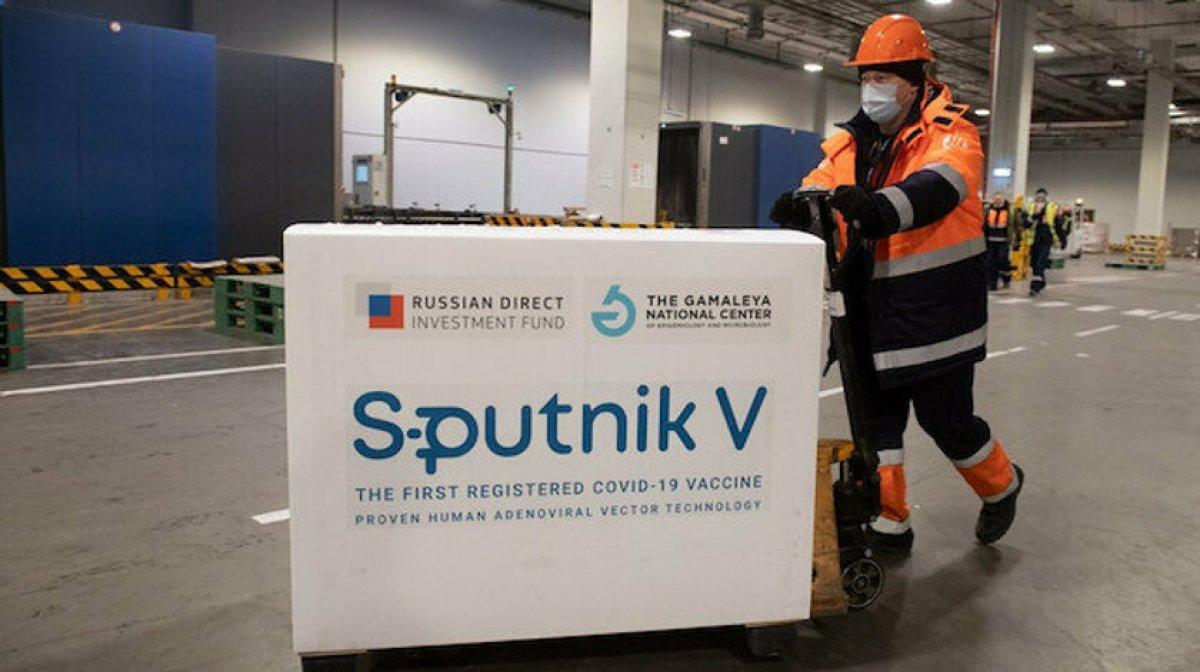 Sputnik V aşısının ilk sevkiyatı Türkiye ye geldi #1