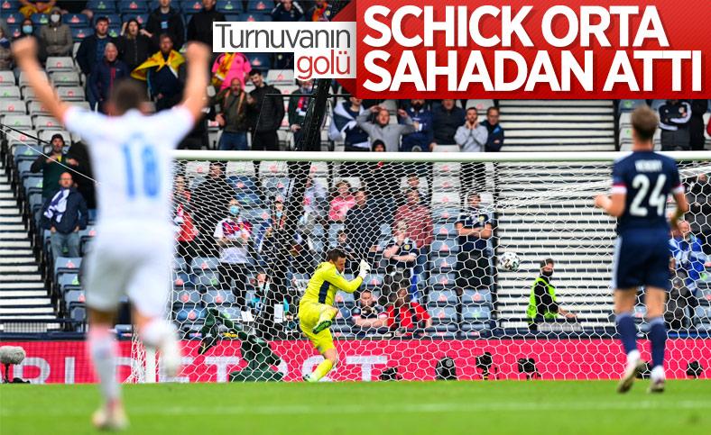 Patrick Schick orta sahadan gol attı
