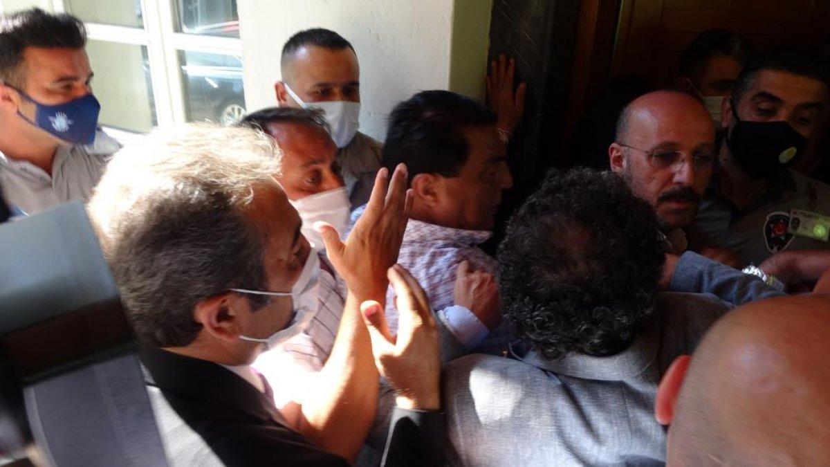 İyi Partililerin ve CHP lilerin makam odasına girme mücadelesi #2
