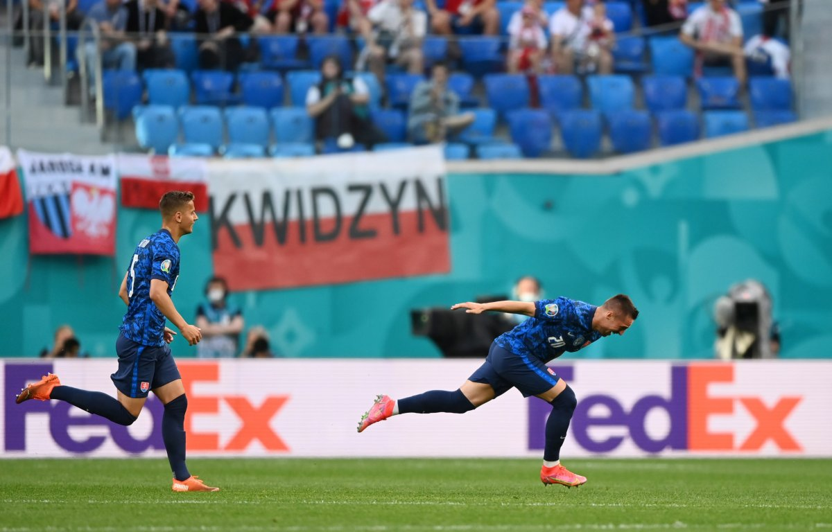 Slovakya, Polonya yı 2 golle mağlup etti #2