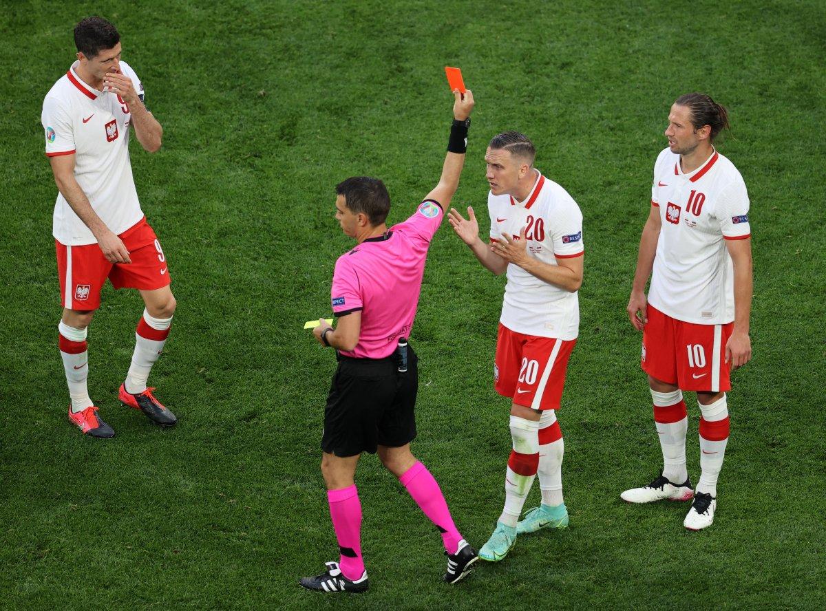Slovakya, Polonya yı 2 golle mağlup etti #1