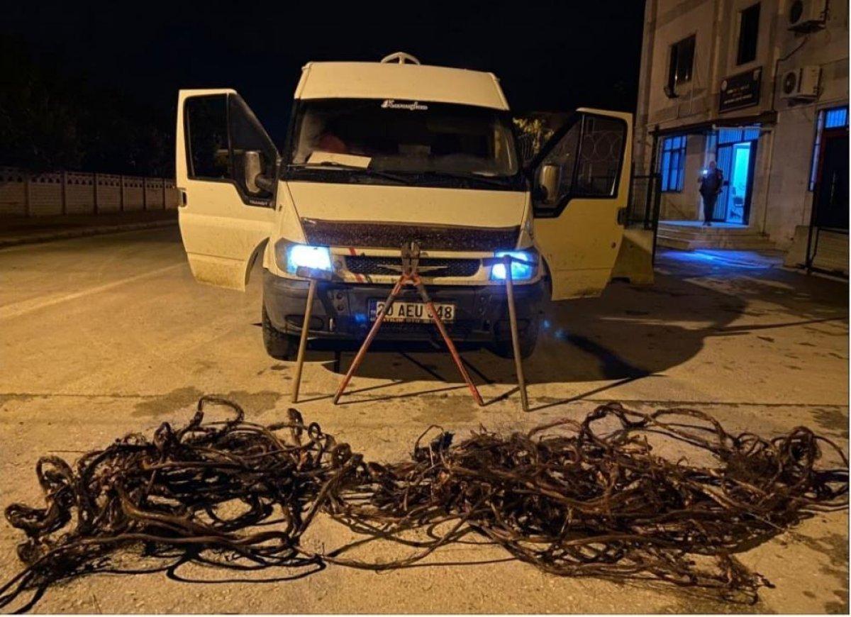 Denizli de hırsız sevgililer, çaldıkları 70 bin liralık kabloyu eritirken yakalandı #3