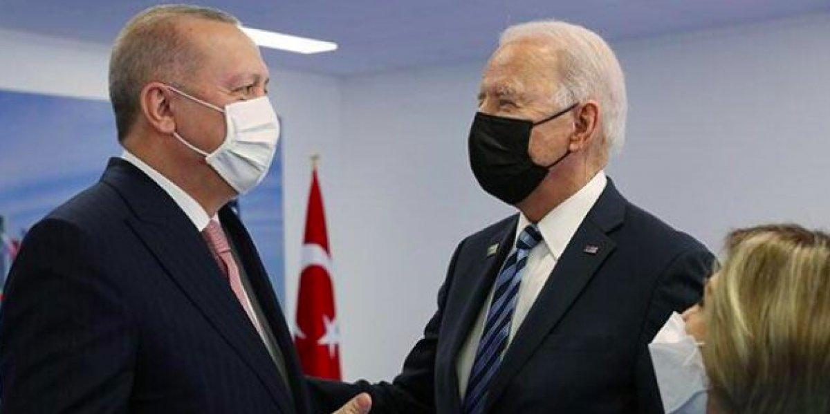 NATO Zirvesi nde Cumhurbaşkanı Erdoğan, Biden a kitap verdi #6