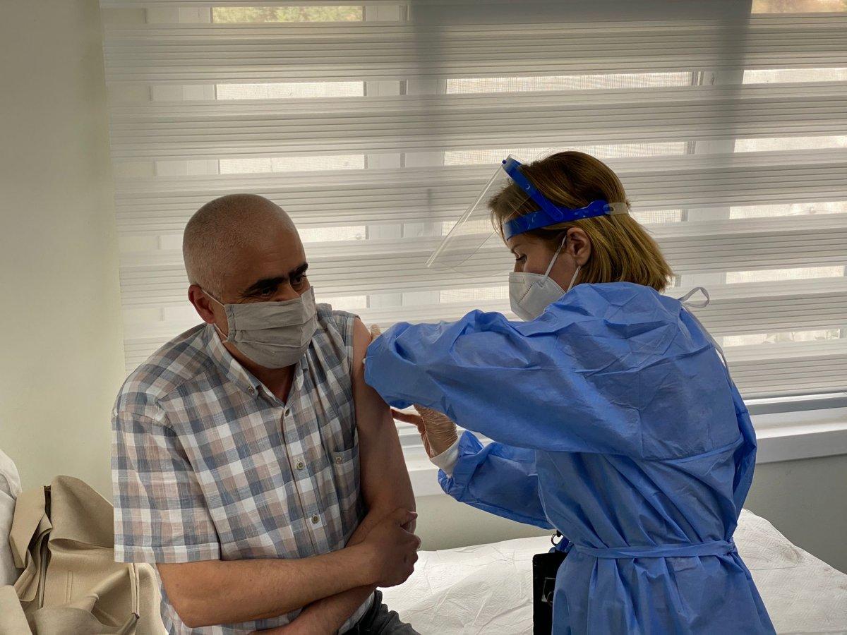 Ankara da mobil sağlık ekipleri  yerinde aşı  uygulamasını başlattı #1