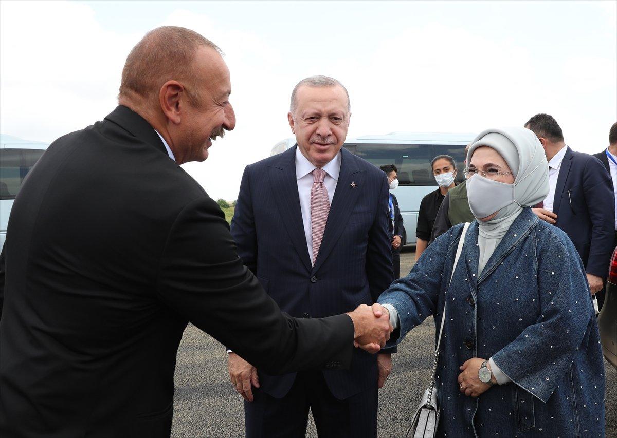 Cumhurbaşkanı Erdoğan, İlham Aliyev ile Şuşa yı gezdi #4