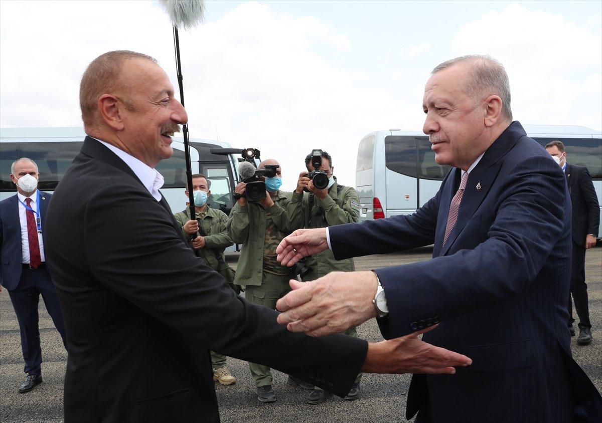 Cumhurbaşkanı Erdoğan, İlham Aliyev ile Şuşa yı gezdi #3