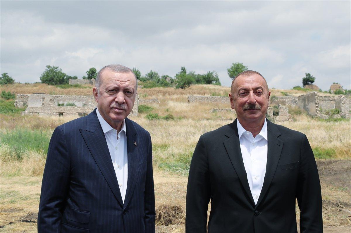 Cumhurbaşkanı Erdoğan, İlham Aliyev ile Şuşa yı gezdi #5