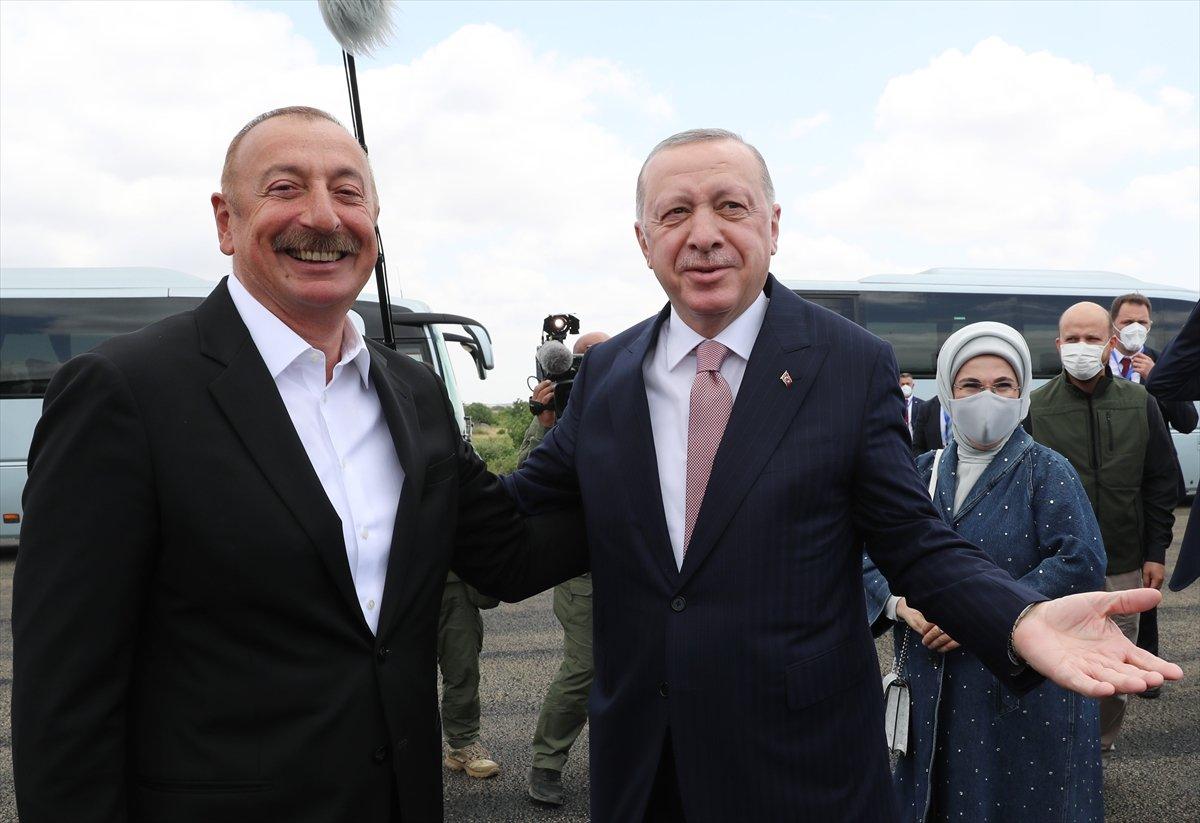 Cumhurbaşkanı Erdoğan, İlham Aliyev ile Şuşa yı gezdi #1