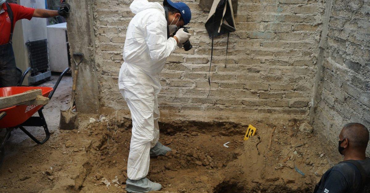 Meksika'da seri katilin evinden 3 bin 787 adet insan kemiği çıktı #1