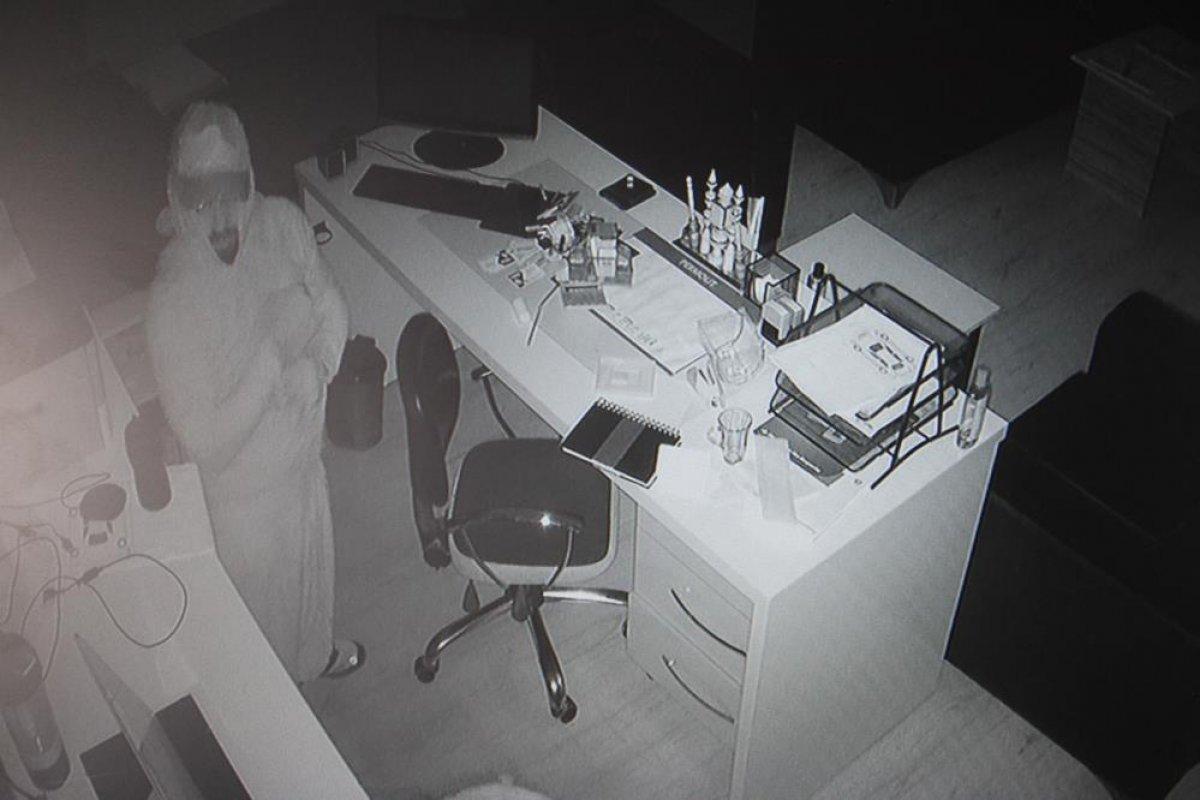 Elazığ da kadın kıyafeti giyen hırsızlar #2