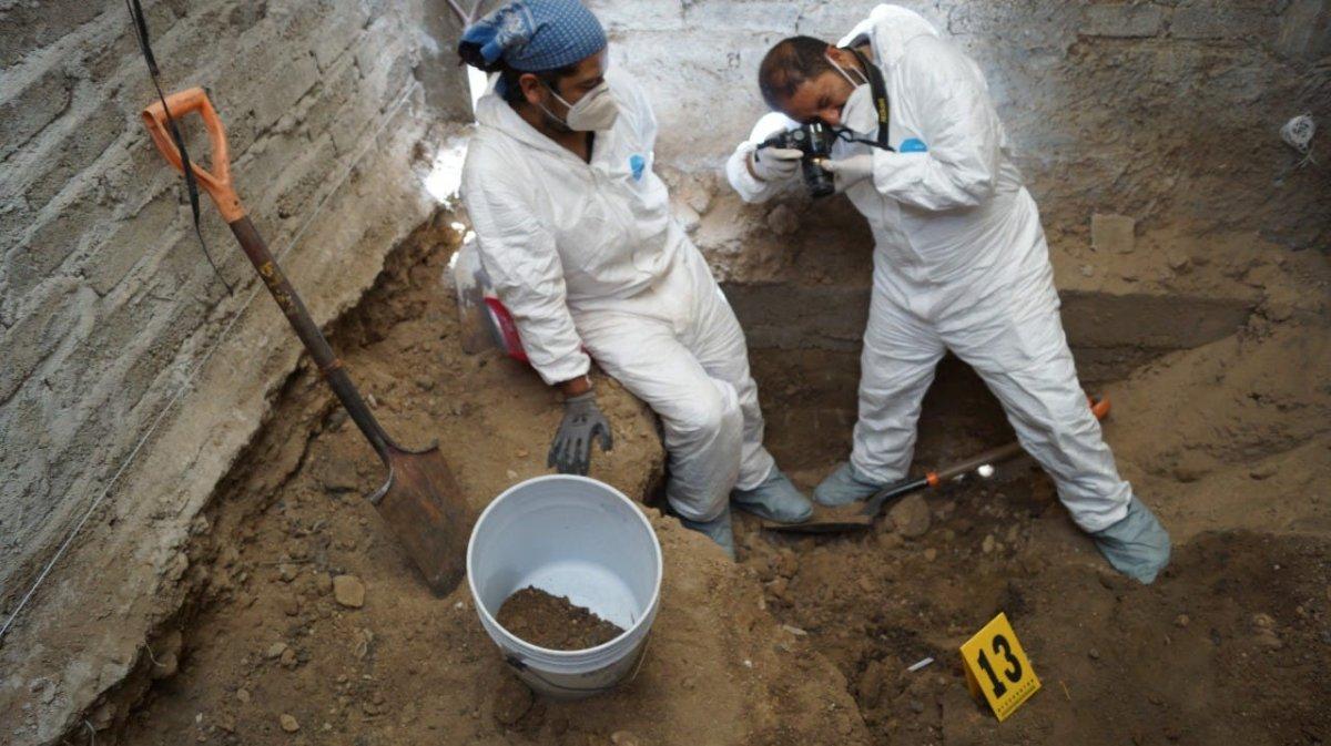 Meksika'da seri katilin evinden 3 bin 787 adet insan kemiği çıktı #2