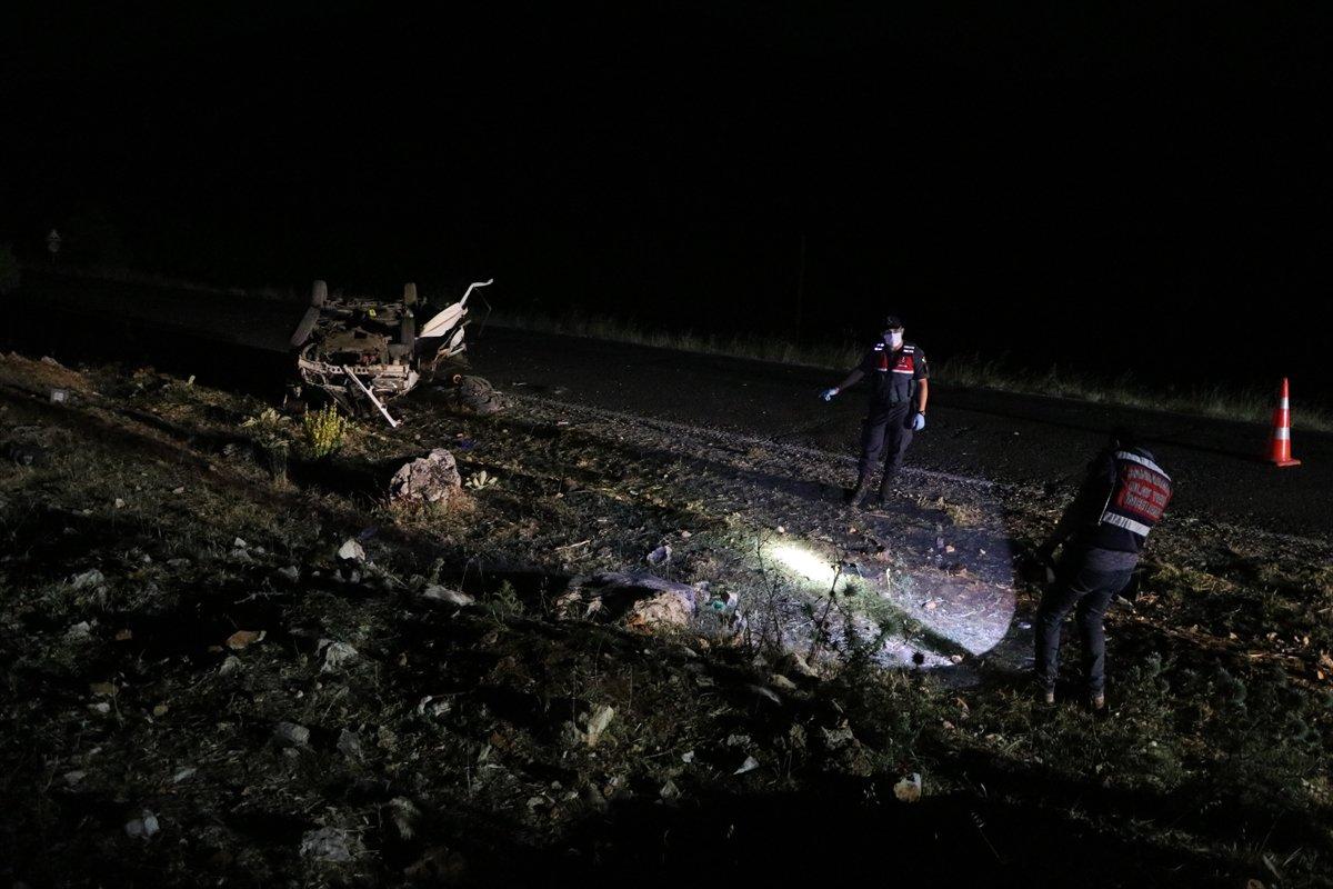 Gaziantep te taziye dönüşü kaza: 3 ölü, 2 yaralı #3