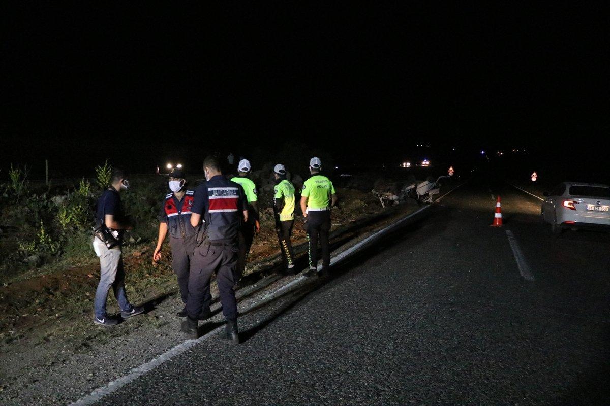 Gaziantep te taziye dönüşü kaza: 3 ölü, 2 yaralı #1