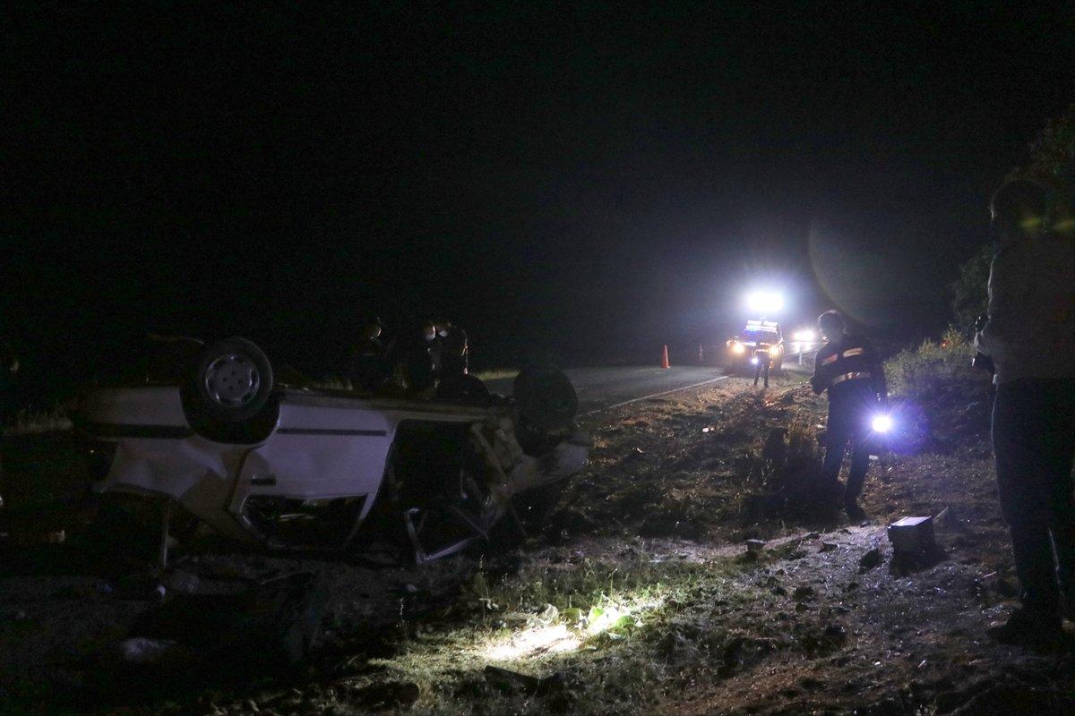 Gaziantep te taziye dönüşü kaza: 3 ölü, 2 yaralı #2