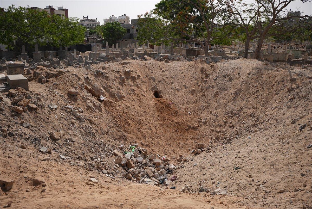 İsrail, Filistin de mezarlıkları hedef aldı #2
