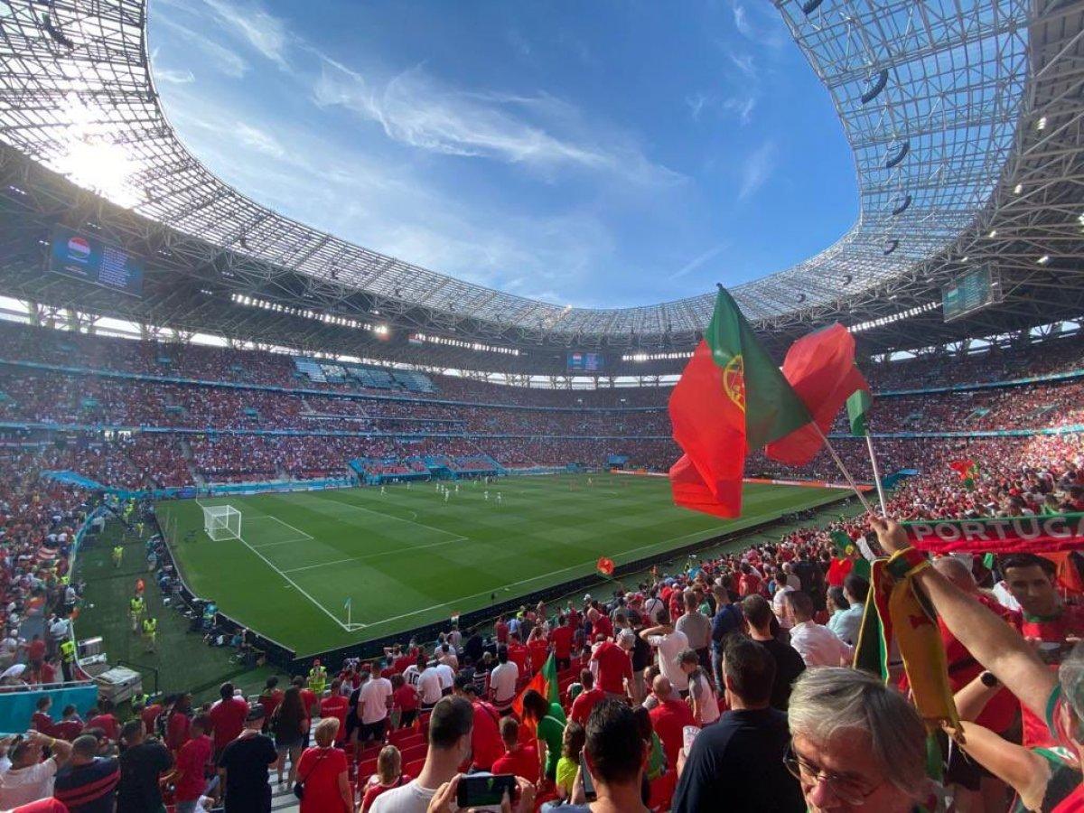 Macaristan-Portekiz maçında tribünlerde renkli görüntüler oluştu #4