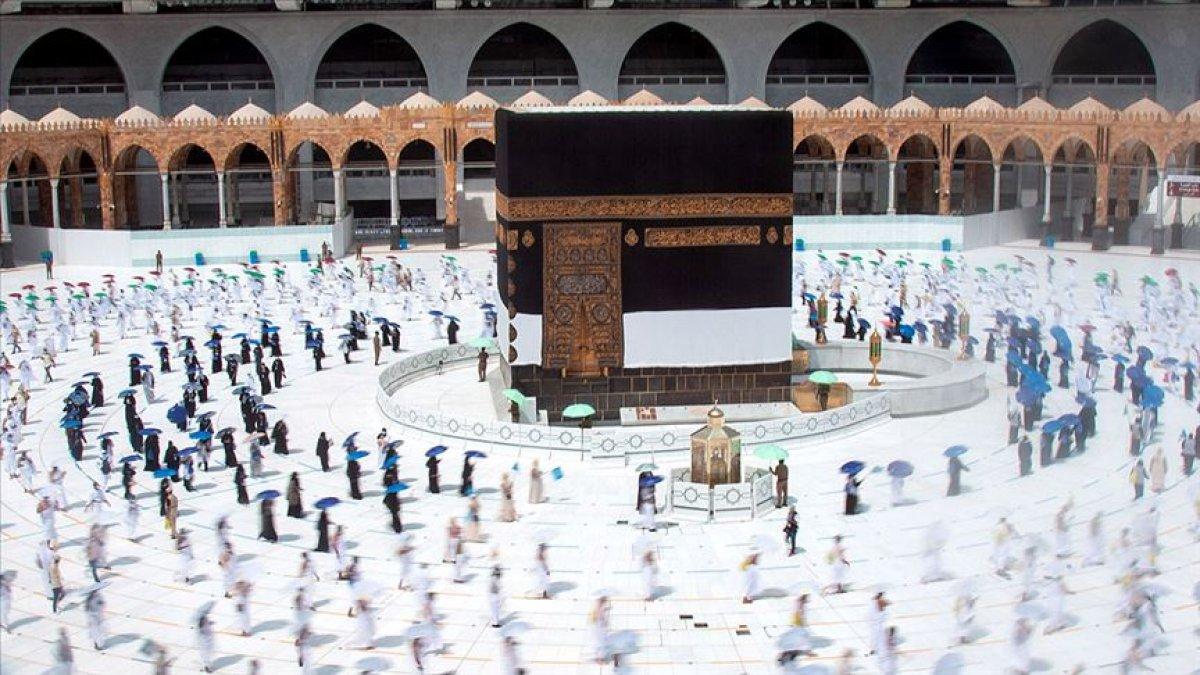 Suudi Arabistan bu yıl da hac için izin verilmeyeceğini duyurdu #1