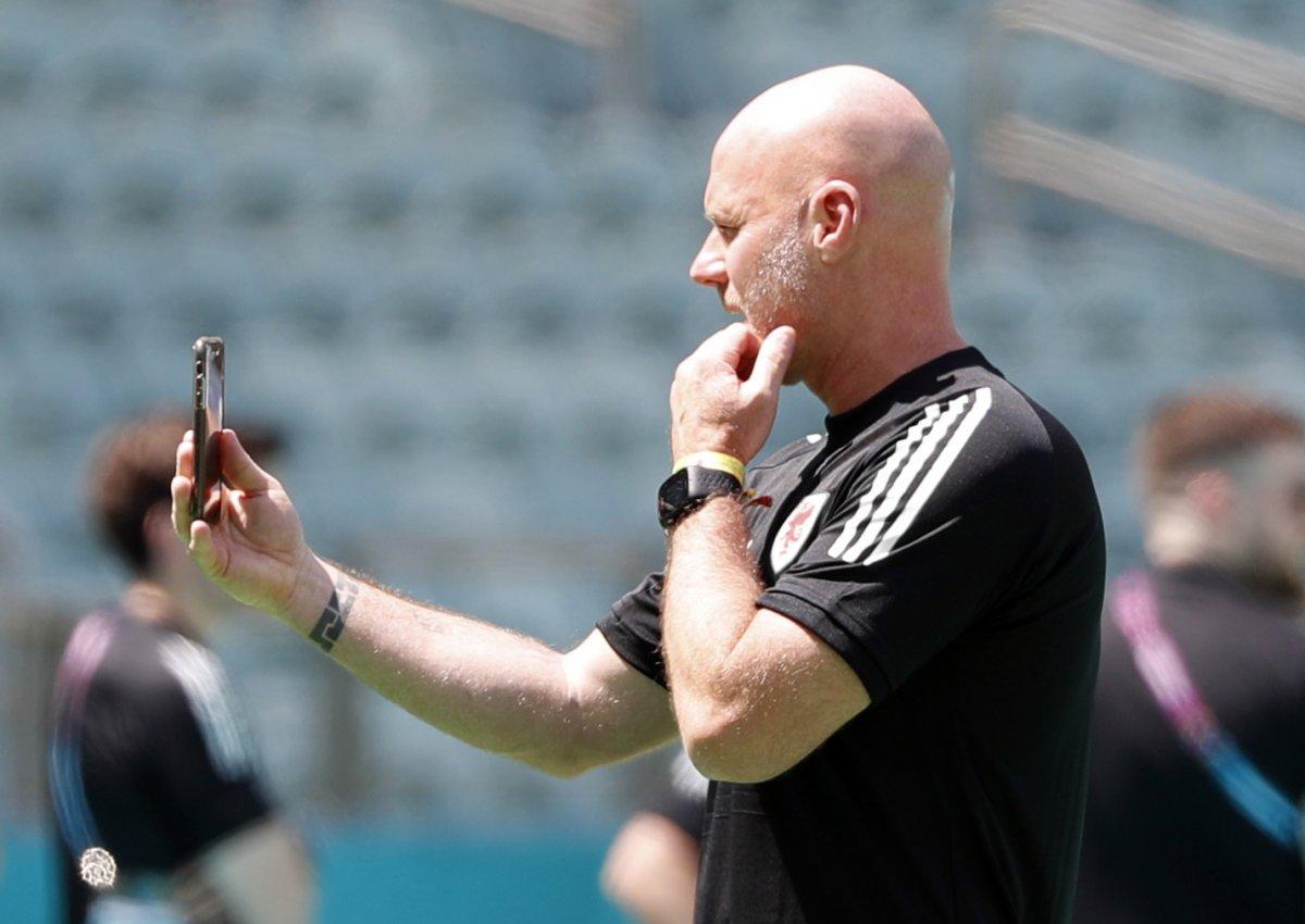 Galler Teknik Direktörü Page: Türkiye yi 5-0 da yenebilirdik #1