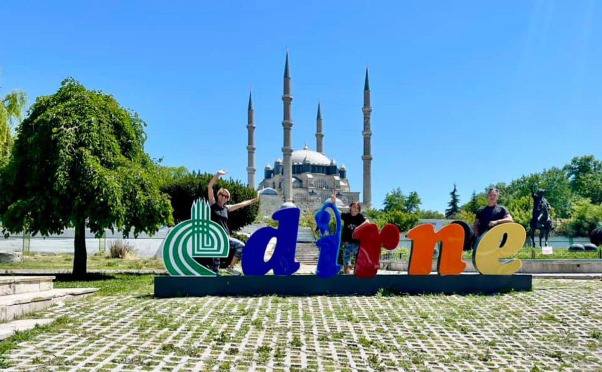 Karavanla dünya turuna çıkan Fransız aile, Türkiye ye hayran kaldı  #7
