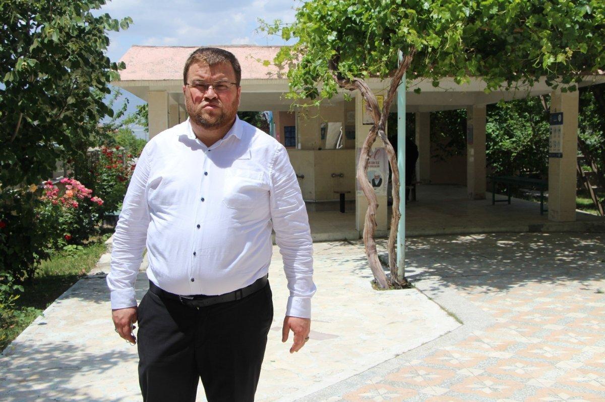 Burdur da bıçaklanan imamın saldırganlarından biri yakalandı #1