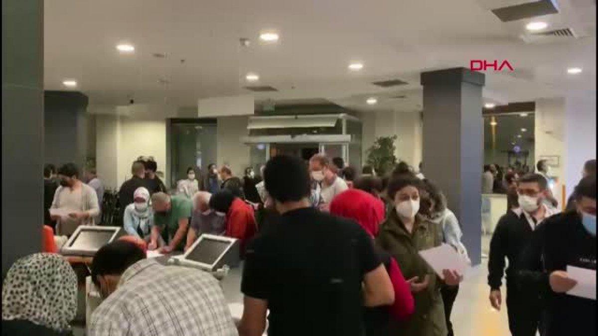 İstanbul da aşı için uzun kuyruklar oluştu  #5