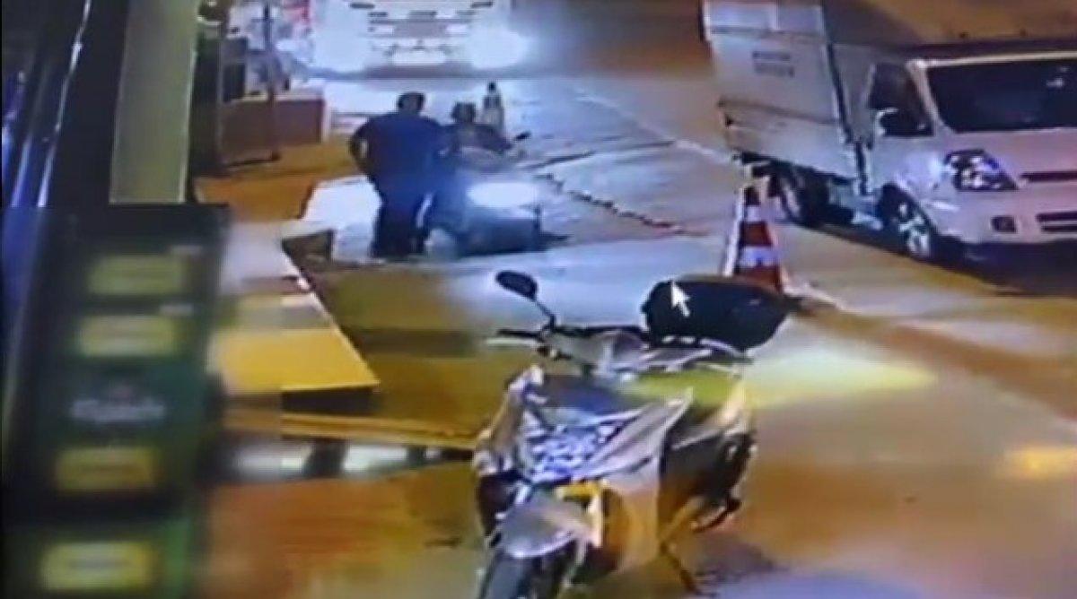Çekmeköy de uyuşturucu satışına polis baskını  #1
