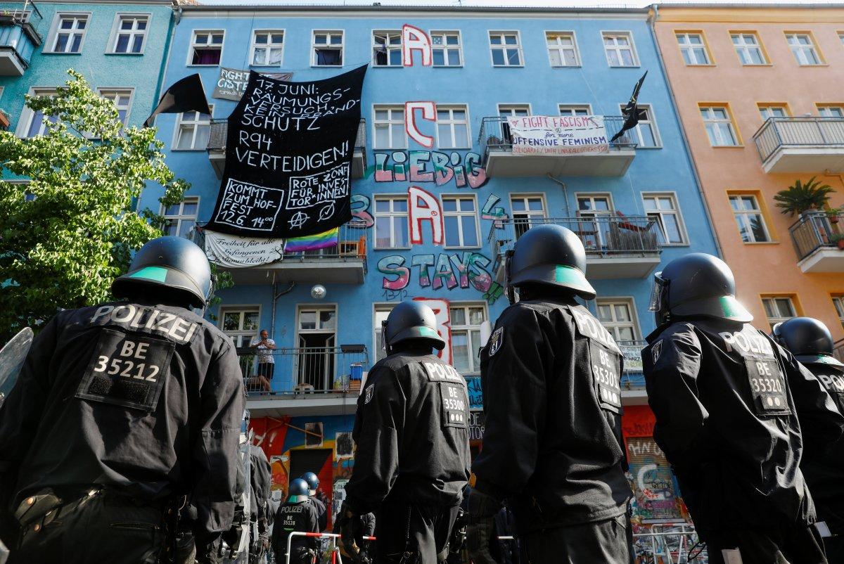 Berlin de bina denetimi öncesinde ortalık karıştı #3