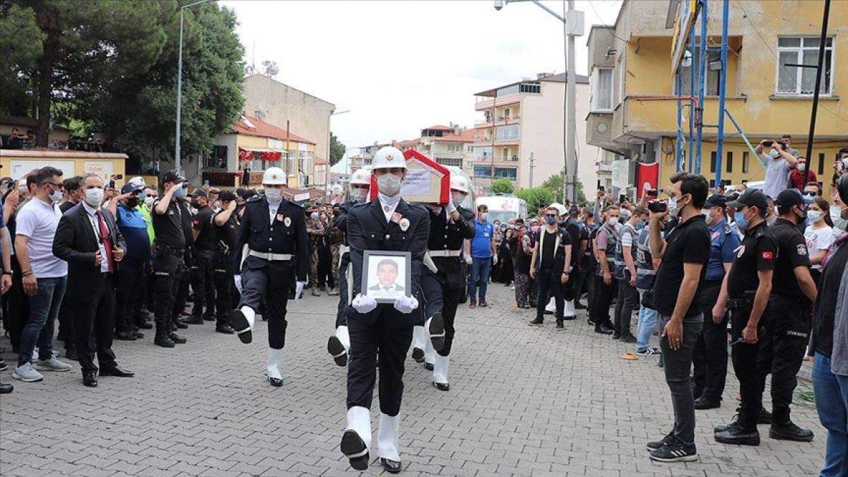 Şehit polis Ercan Yangöz son yolculuğuna uğurlandı #1