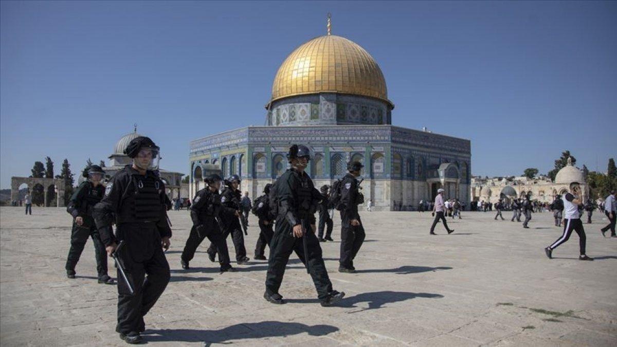Fanatik Yahudiler Mescid-i Aksa'ya baskın düzenledi  #1