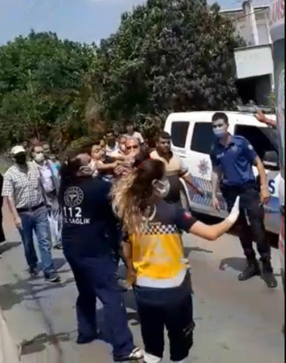 Mersin'de servis şoförü suya düşen çocuğu kurtardı #3