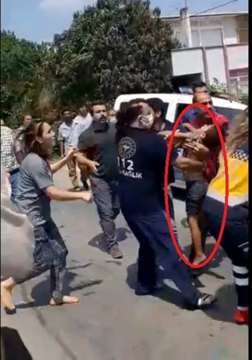Mersin'de servis şoförü suya düşen çocuğu kurtardı #2