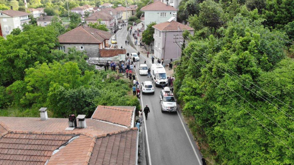 Zonguldak ta bir kişi, yıkım yaparken duvarın altında kaldı #1