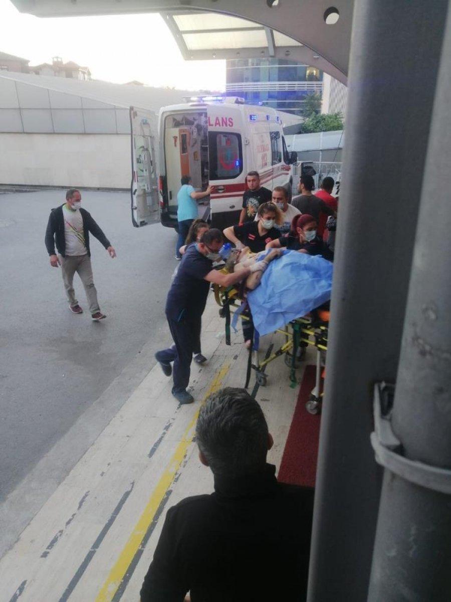 Zonguldak ta bir kişi, yıkım yaparken duvarın altında kaldı #6