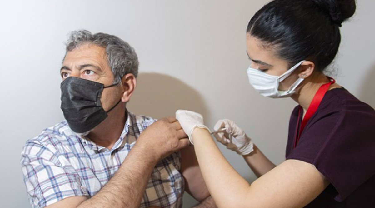 Koronavirüs aşı odalarında görevli sağlık çalışanlarına ek ödeme #3