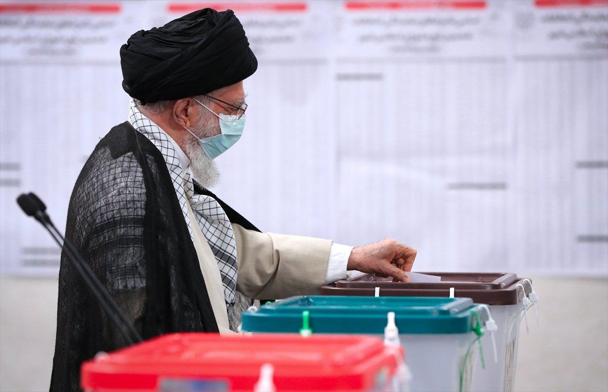 İran 13. cumhurbaşkanını seçiyor  #1