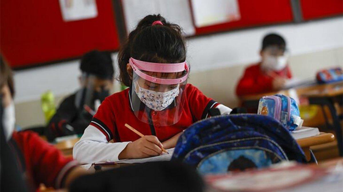 18 milyon öğrencinin dijital karneleri erişime açıldı #1