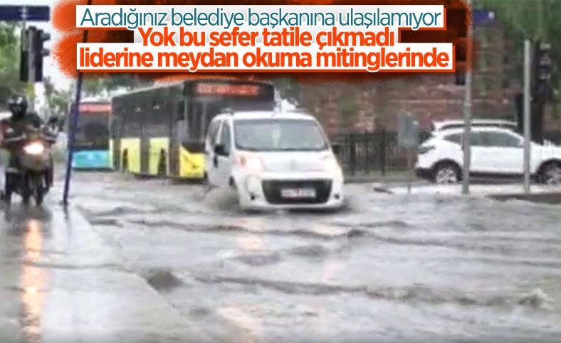 İstanbul'da sağanak yağış etkili oluyor: Cadde ve sokaklar göle döndü
