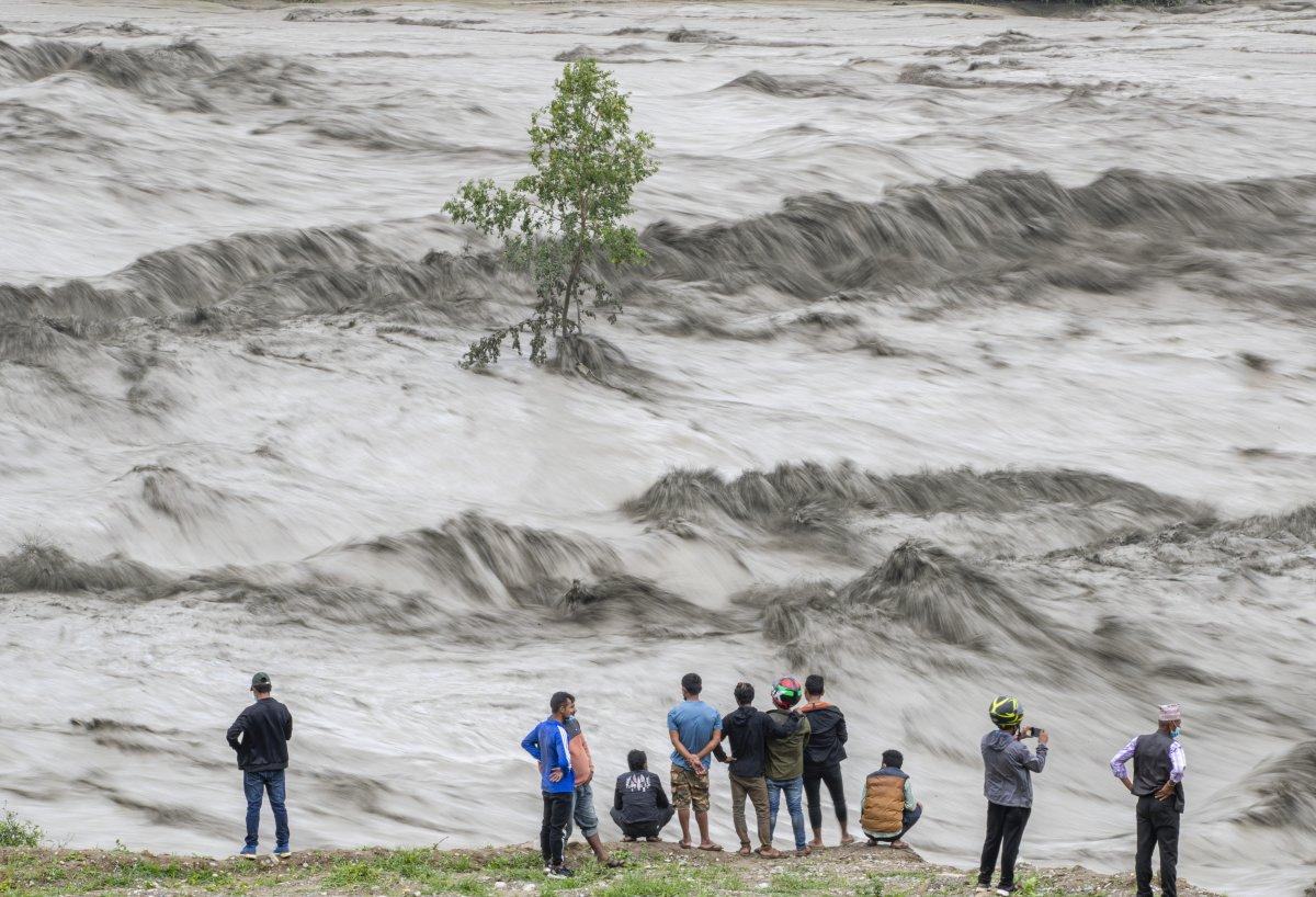 Nepal'de sel ve heyelan felaketi can aldı #3