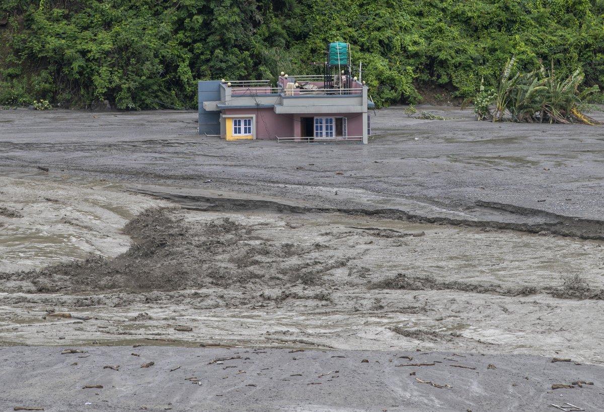 Nepal'de sel ve heyelan felaketi can aldı #4