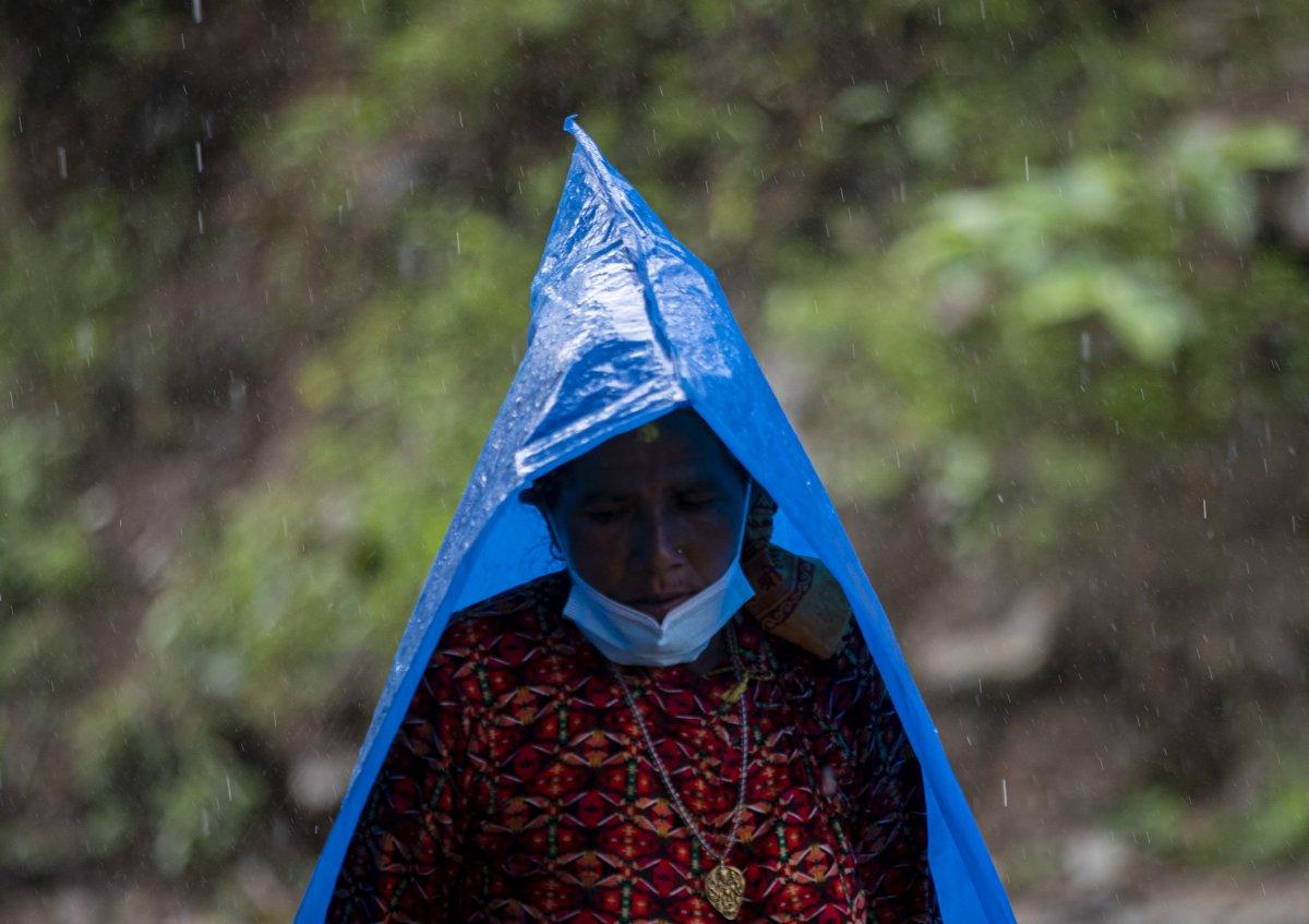 Nepal'de sel ve heyelan felaketi can aldı #5