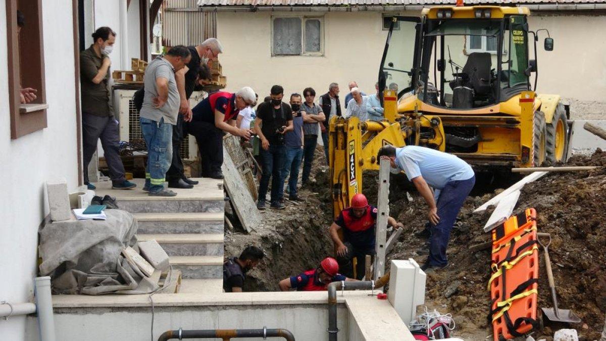 Zonguldak ta arkadaşına yardıma gelen asker, toprak altında can verdi #2